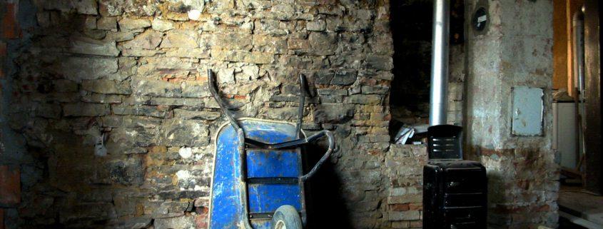 parete in fase di restauro Sardegna